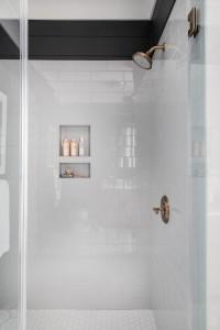 Benjamin Moore Cheating Heart Shiplap Bathroom With Louvered White Oak Vanity 5