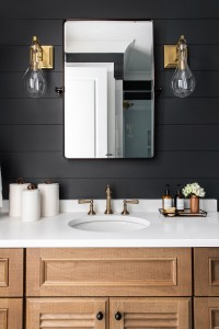 Benjamin Moore Cheating Heart Shiplap Bathroom With Louvered White Oak Vanity 3
